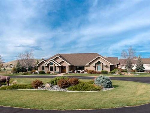 Four Bedroom, Four Bath Home on 9 : Cody : Park County : Wyoming