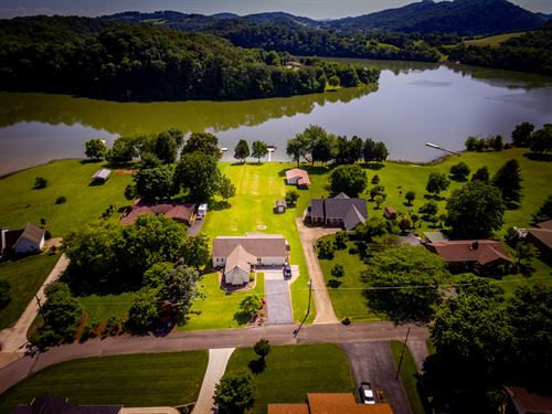 Cherokee Lakefront Home : Rogersville : Hawkins County : Tennessee