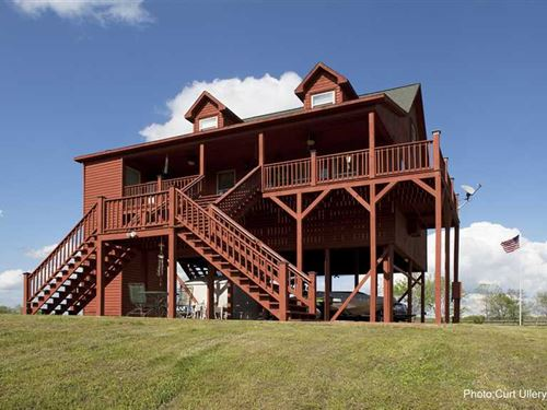 Weekend Getaway Home on The Water : Clifton : Hardin County : Tennessee