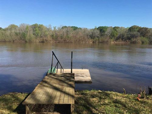 Altamaha River Water Front Retreat : Baxley : Appling County : Georgia