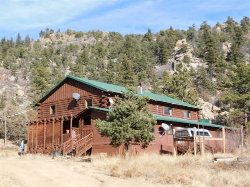 2041413 - Large 1.5 Story Cabin For : Cotopaxi : Fremont County : Colorado