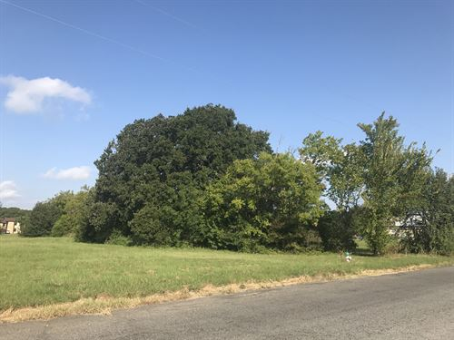 Commercial Lot : Sulphur Springs : Hopkins County : Texas