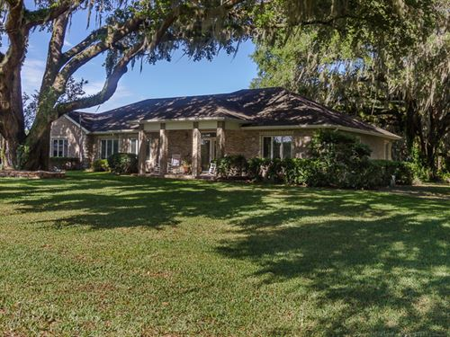 Brick Home On 45 Acre Lake : Lake City : Columbia County : Florida