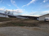 2 Peco Poultry House Farm, Living : Zion : Izard County : Arkansas