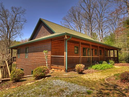 Private Home With Rushing Stream : Blue Ridge : Fannin County : Georgia