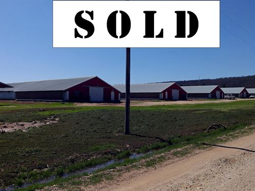 Chicken Farm With 6 Broiler Houses : Lincoln : Washington County : Arkansas