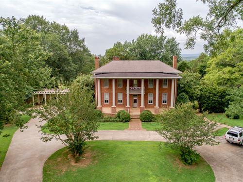 1848 Historical Home 20.9 Acre Farm : Hollywood : Jackson County : Alabama