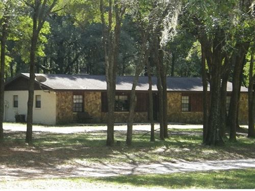 Adorable 2.7 Acre Ranchette 4Bd/2Ba : Brooksville : Hernando County : Florida