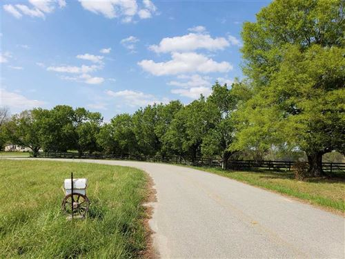54 Acre Farm With Pond in Lanca : Lancaster : South Carolina