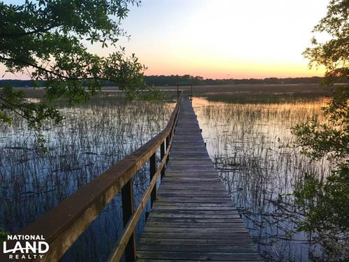 Edisto Homesite With Private Dock : Edisto Island : Charleston County : South Carolina