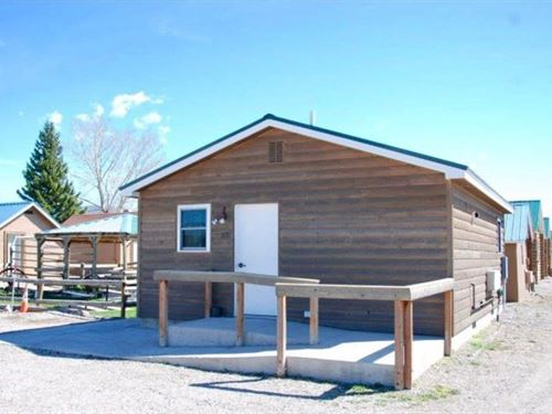 Tenderfoot Cabins & Motel : White Sulphur Springs : Meagher County : Montana