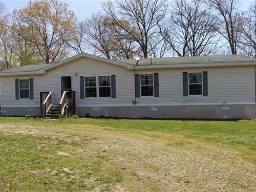 7.9 Acre Country Homestead at The : Hermitage : Hickory County : Missouri