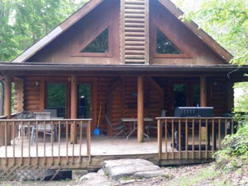 Log Home Near East Port Marina : Alpine : Pickett County : Tennessee