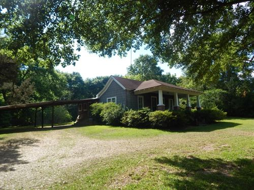 Home With 2.5 Acres In Town : McComb : Pike County : Mississippi