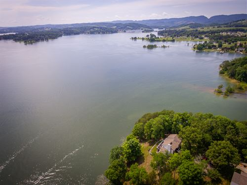 Cherokee Lakefront Home : Bean Station : Grainger County : Tennessee