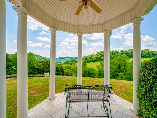 Stunning Home On 128 Acres : Frankewing : Lincoln County : Tennessee