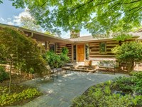 4400 Sqft Home Sitting On 4.56 : Landrum : Spartanburg County : South Carolina