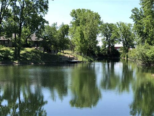 Over 5 Acres With Spring Fed Pond : Pendleton : Madison County : Indiana
