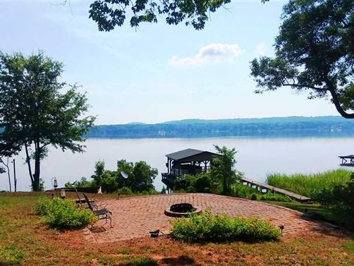 Waterfront Cabin On Lake Striker : Jacksonville : Cherokee County : Texas