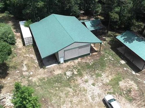Off-Grid Cabin, Shop, & Outbuildin : Jacksonville : Cherokee County : Texas