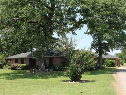 Home With Beautiful Acreage : Arthur City : Lamar County : Texas