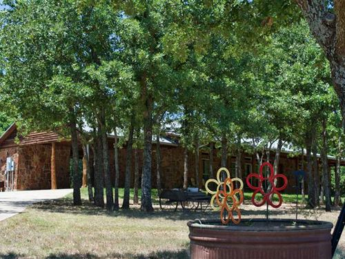 Recreational Horse Ranch With Cust : Saint Jo : Montague County : Texas