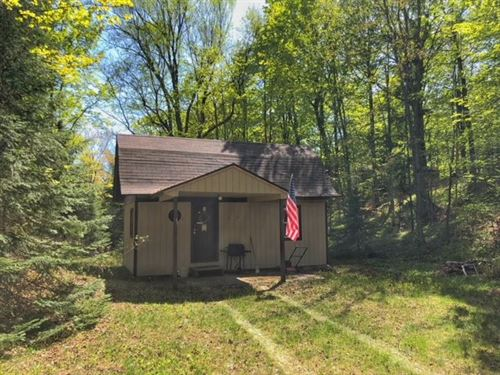 2774 Chief Lake Rd., Mls 1108340 : Republic : Marquette County : Michigan