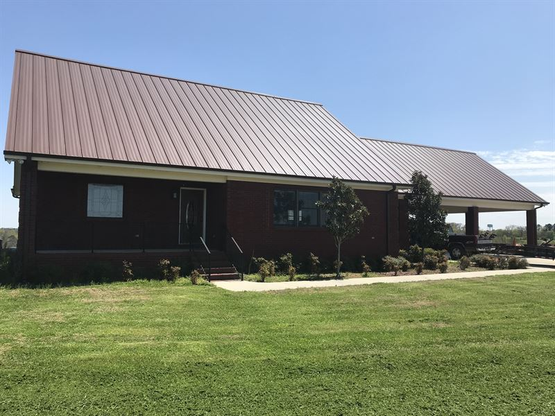 28 Acre Farm And Ranch Style Home : Phil Campbell : Franklin County : Alabama