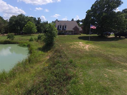 Beautiful Home On 10 Acres By Lake : Paris : Lamar County : Texas