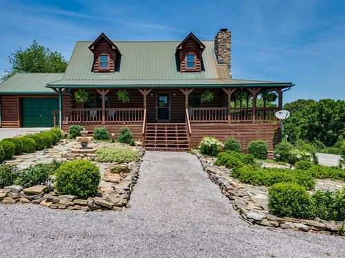 3.6Ac, Log Home, Barn, Chicken Coop : Red Boiling Springs : Clay County : Tennessee