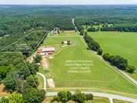 Farm W 3 Barns, 13 Stalls, & More : Monroe : Walton County : Georgia
