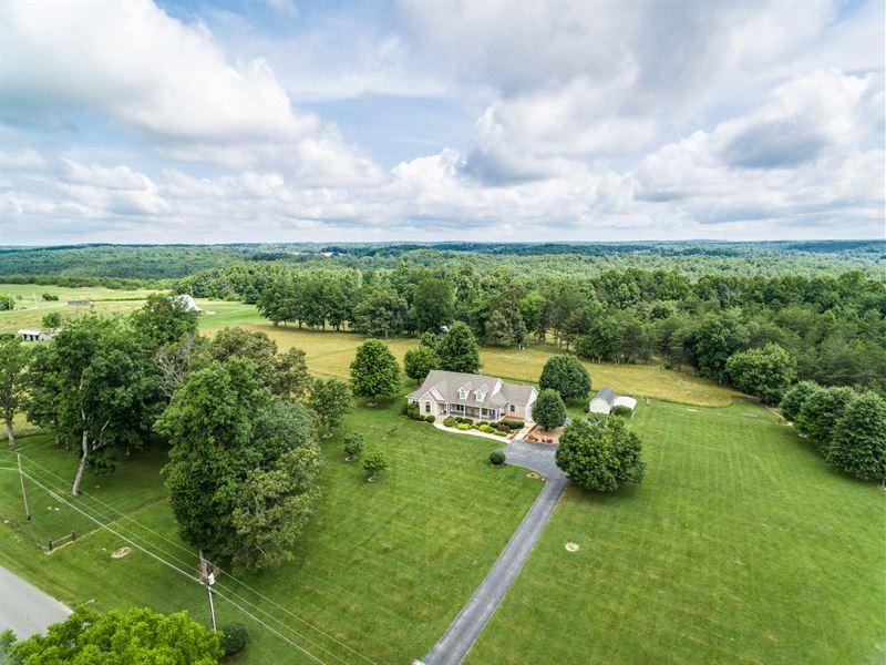 20+ Ac Farm, Cust Hm, Pond, Creek : Crossville : Cumberland County : Tennessee