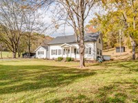 381 Acres & Farm House : Hampshire : Lewis County : Tennessee