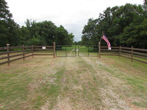 Dinjar Camp : Castle : Okfuskee County : Oklahoma