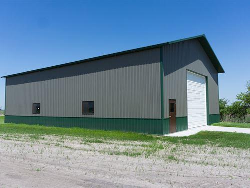 Valley 40 Acres With Outbuilding : Valley : Douglas County : Nebraska