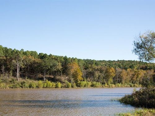 Beautiful Lake Front Escape 181 : Wilburton : Latimer County : Oklahoma