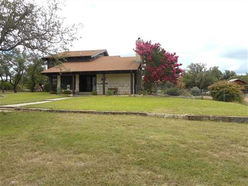 Home For Sale in Lampasas, TX - 48 : Lampasas : Texas