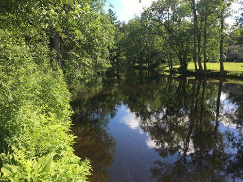 Adirondack Riverfront : Brasher Falls : New York County : New York