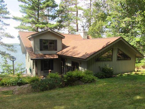 172710 Fence Lake Home & Boathouse : Lac Du Flambeau : Vilas County : Wisconsin