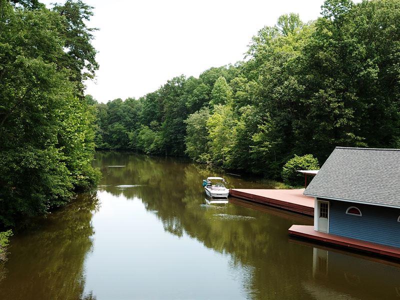 Spectacular Lake Anna Access Estate : Lake Anna : Spotsylvania County : Virginia