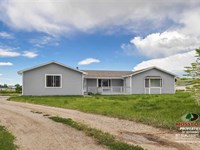 Three Bedroom, Two Bath Home on 2 : Cody : Park County : Wyoming