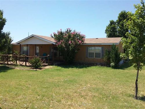 Country Charm, 3/2 on 4 Acres Read : Wichita Falls : Wichita County : Texas