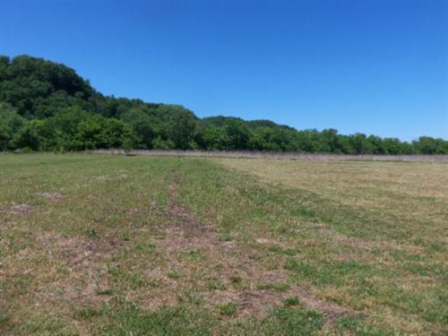 .64 Ac, Private Country Location : Celina : Clay County : Tennessee
