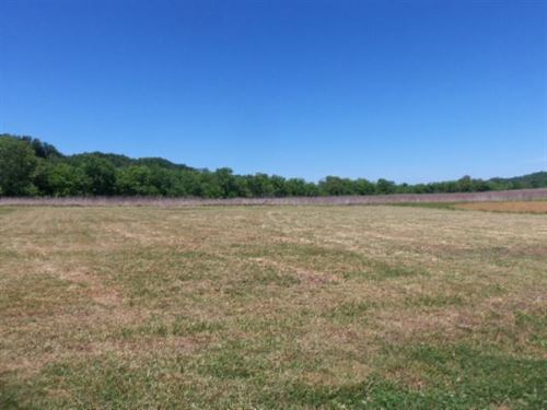 .64 Ac,Private Country Location : Celina : Clay County : Tennessee