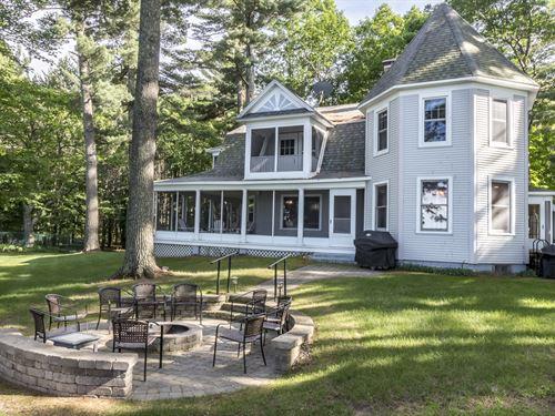 Kemah Estate On Lake Tomahawk : Hazelhurst : Oneida County : Wisconsin