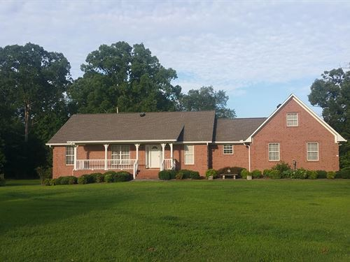 Beautiful House With Acreage : Hanceville : Cullman County : Alabama