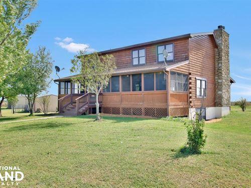 Log Cabin on 90 Acres : Whitewater : Harvey County : Kansas