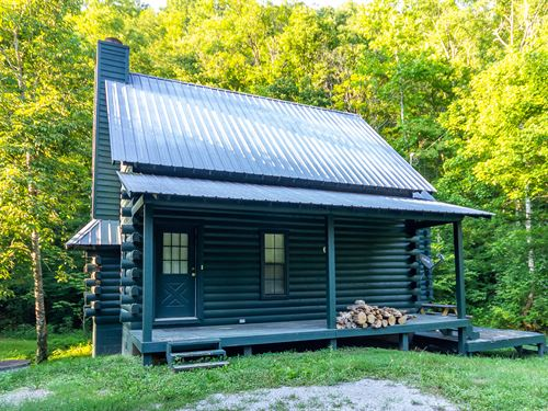 Log Cabin Overlooking The Creek : Thorn Hill : Grainger County : Tennessee
