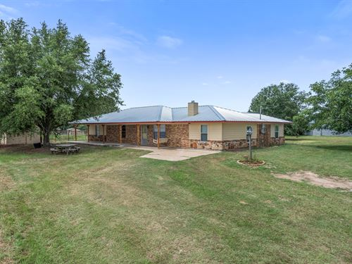11 Acres 2339 Sqft 40X50 Barn : Madisonville : Madison County : Texas