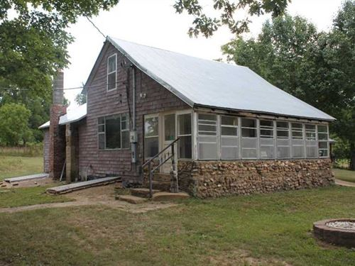 80 Acres With Farm House For Sale : Piedmont : Butler County : Missouri
